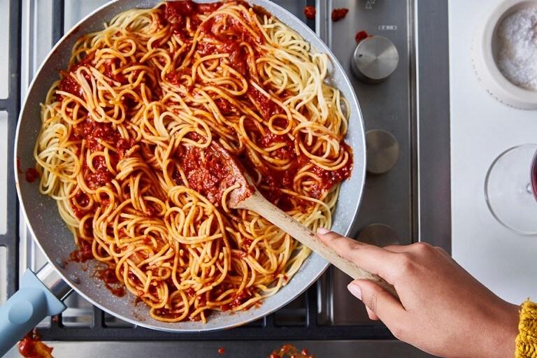 Como quitar mancha de salsa de tomate de la ropa