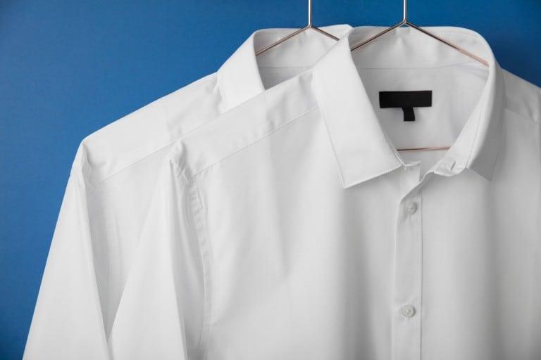 Como blanquear la ropa blanca amarillenta: trucos para dejar las piezas nuevas sin usar cloro