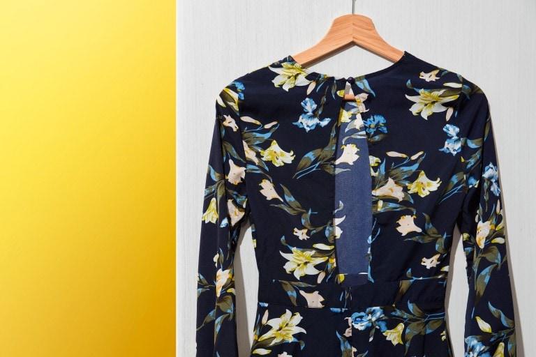 Personalización de ropa: ver cómo transformar la ropa vieja en nuevos looks