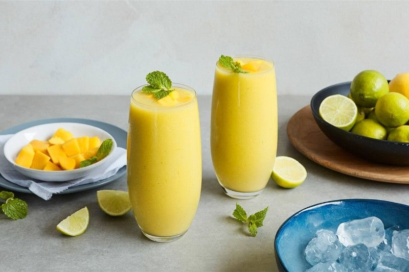 Lipton Juicy Mango Matcha Smoothie