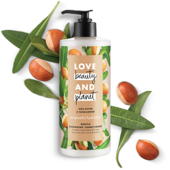 Frente del paquete del Love Beauty Planet Shea Butter & Sandalwood Cleansing Conditioner Purposeful Hydration 16 oz